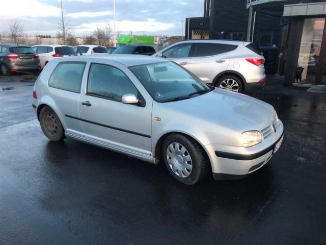 VW Golf 1,8 125HK 3d 1999<br/>Km: 415000