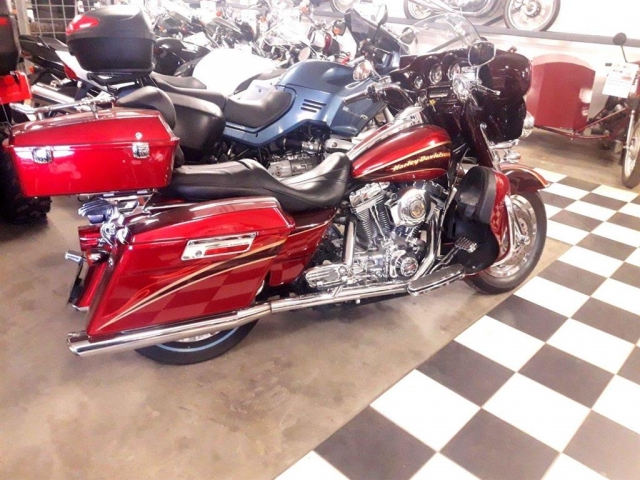 Harley-Davidson FLHTC  2005<br/>Km: 35000