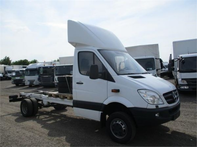 Mercedes-Benz SPRINTER 516 CDI R2 4X4 Chassis 2011<br/>  Km: 233.000