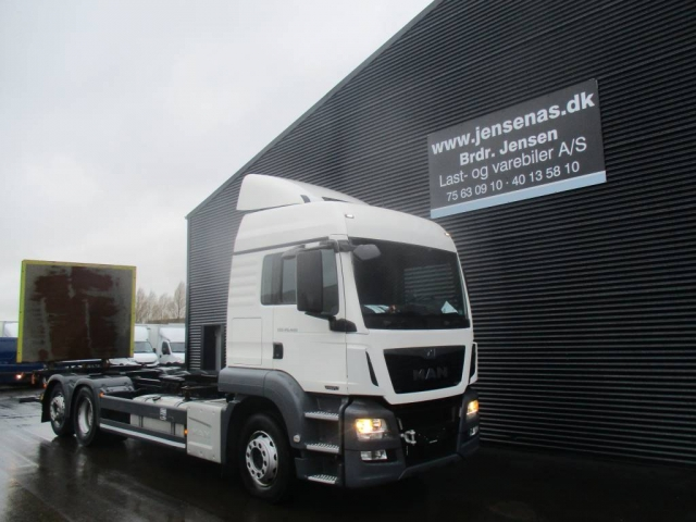 MAN TGS 26.480 6X2 CHASSIS/LIFT 2013<br/>  Km: 382.000
