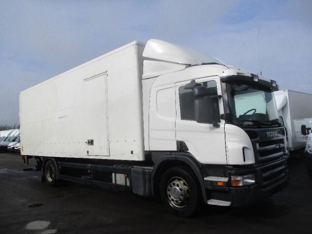 Scania P230 alukasse/lift 2011<br/>  Km: 606